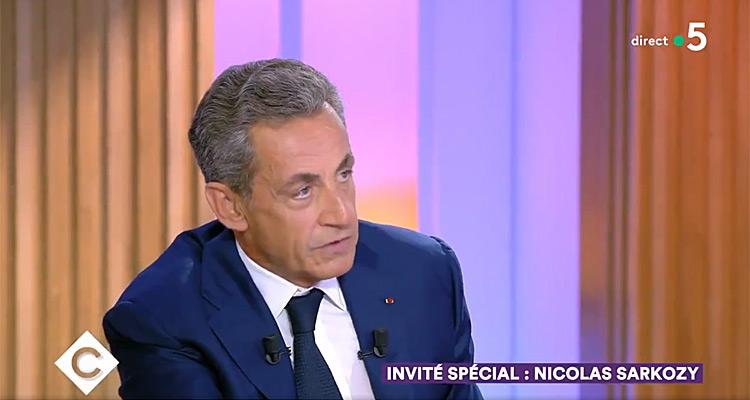 Nicolas Sarkozy sur le plateau de C à vous
